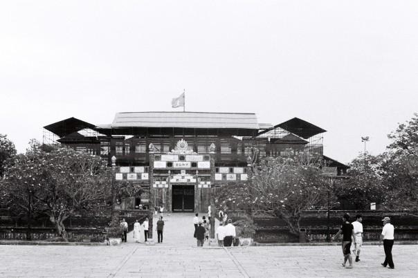 Vue intérieure de la porte du Midi de la Citadelle de Hué.